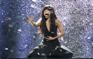 "Loreen of Sweden performs her song ""Euphoria"" after winning the Eurovision song contest in Baku, May 27, 2012. REUTERS/David Mdzinarishvili (AZERBAIJAN - Tags: ENTERTAINMENT TPX IMAGES OF THE DAY)"